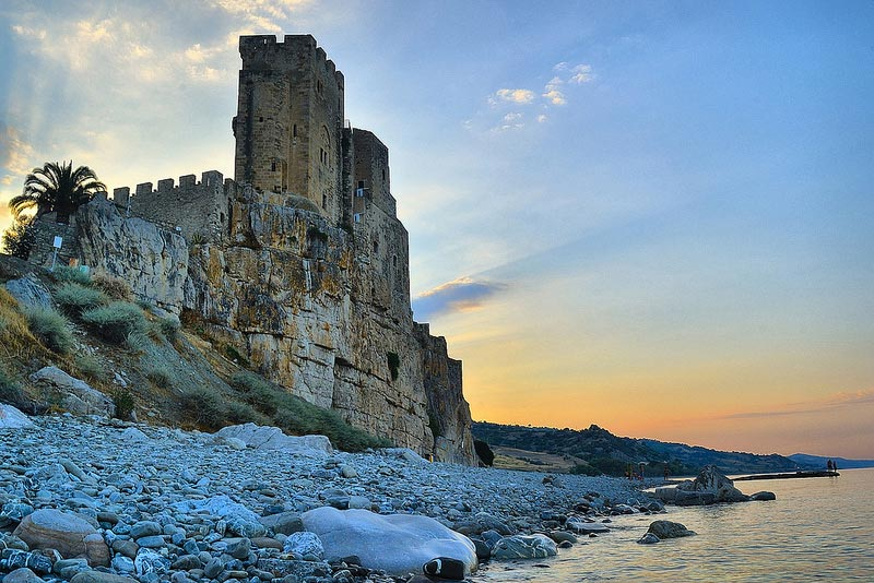 castello-di-roseto-Capo-Spu