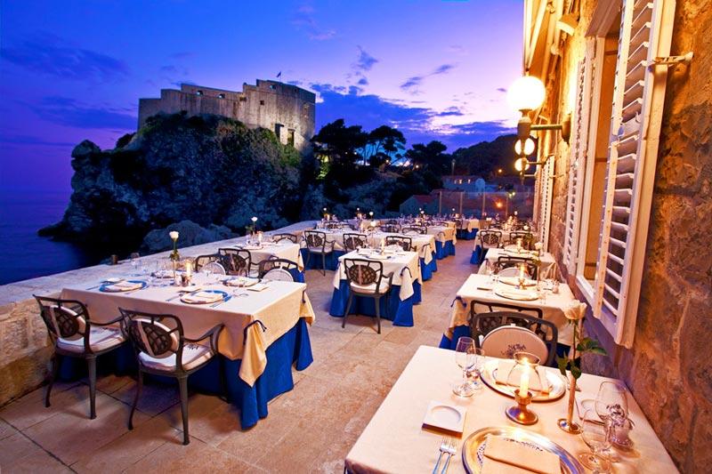 I 15 ristoranti sul mare pi incredibili del mondo weplaya for Hotel barcellona sul mare