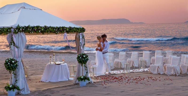 Matrimonio In Spiaggia Hawaii : I posti più belli del mondo per un matrimonio in riva