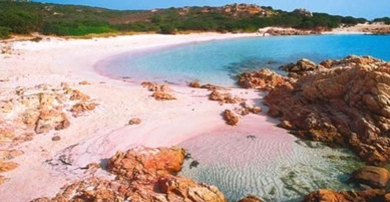 La spiaggia rosa di budelli patrimonio della natura weplaya for Setacciavano la sabbia dei fiumi