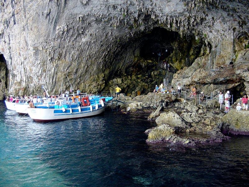 Grotta-della-Zinzulusa