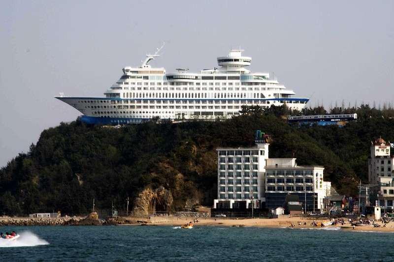 Sun-Cruise-Hotel-(2)