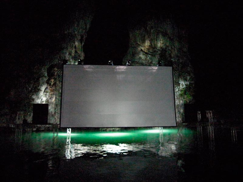 thailandia-cinema-galleggiante (8)