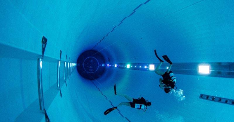 La piscina pi profonda del mondo si trova in veneto weplaya for Piscina e un nome primitivo