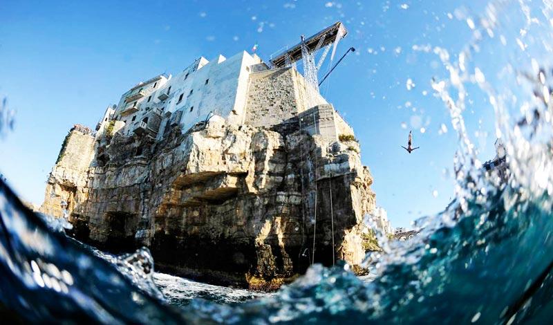 polignano-cliff-diving