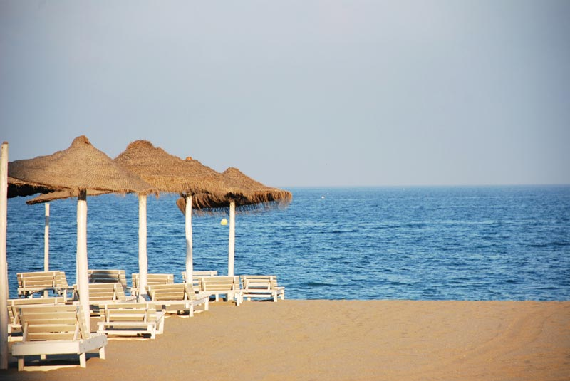 Playa-Los-Boliches-Fuengiro