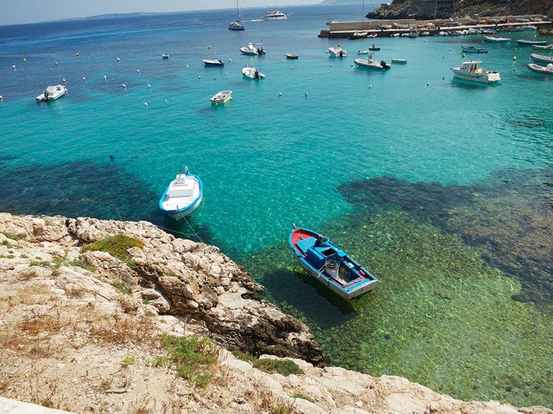 isole-egadi-levanzo-trasparente-acqua