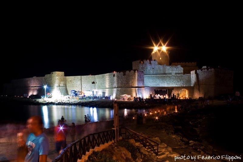 le-castella-notte-spiaggia