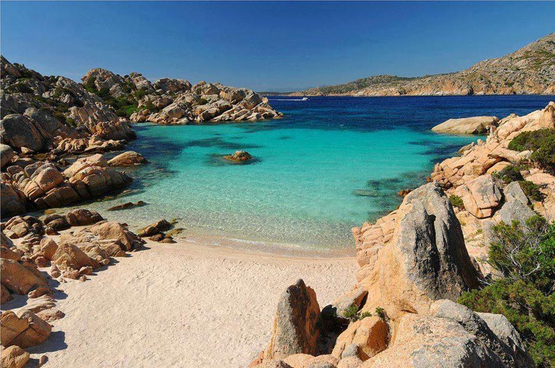 La spiaggia di cala coticcio a caprera una volta vista for Isola che da il nome a un golfo della sardegna