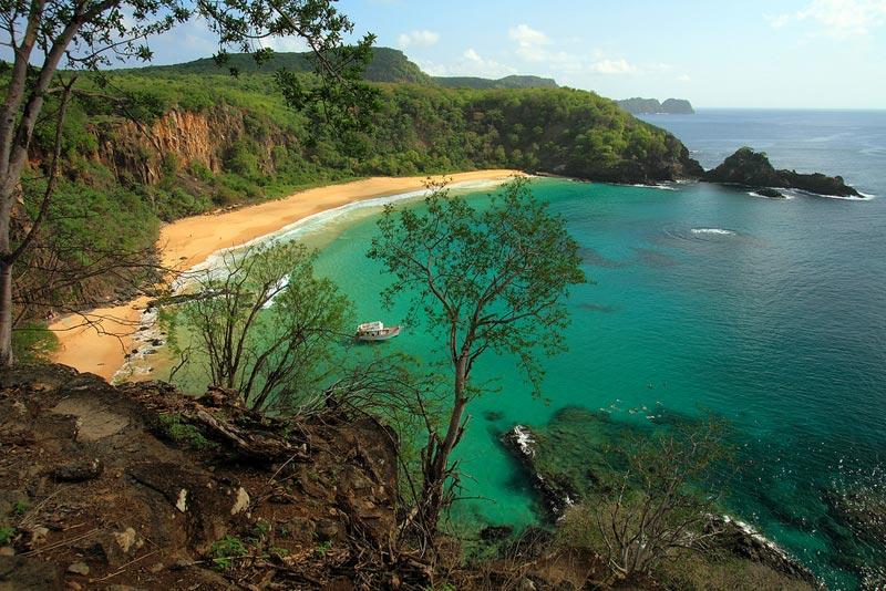 praia-do-sancho-brasile