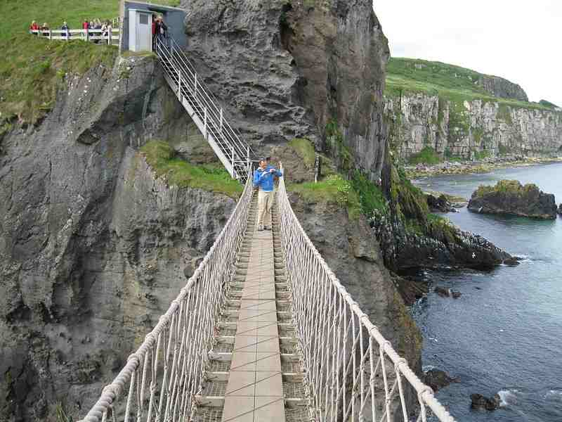 Carrick-a-Rede-Bridge-(2)