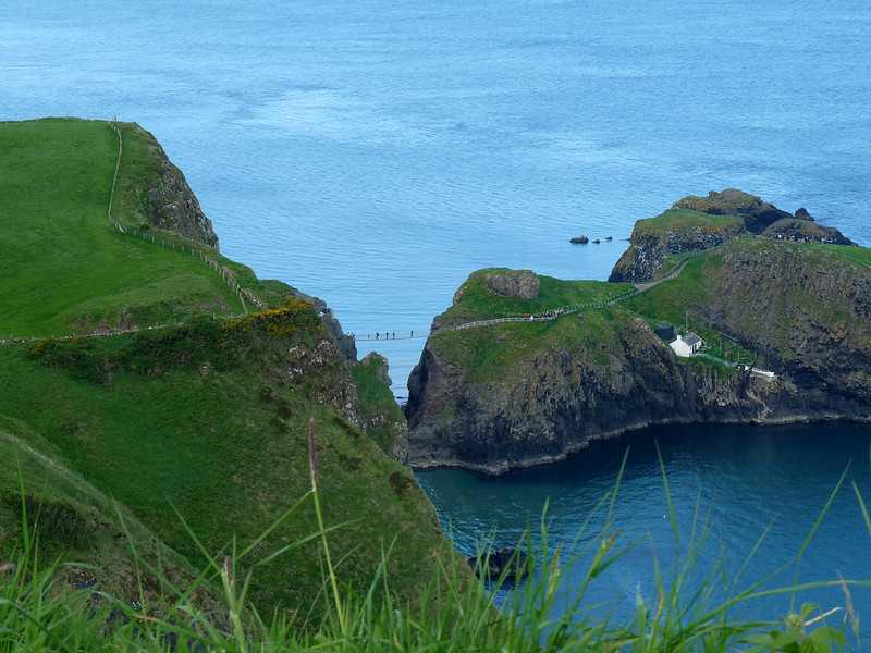 Carrick-a-Rede-Bridge-(4)