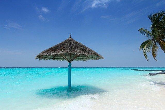 Kanuhura-Beach-maldive