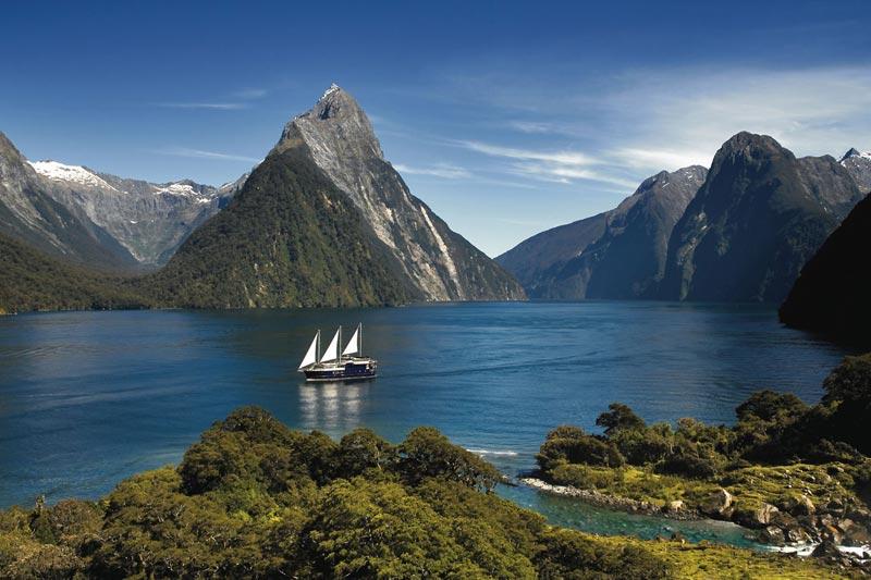 Nuova-Zelanda-crociera-fiordi