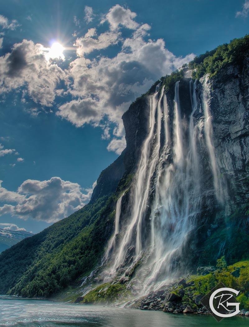 Seven-Sisters-Waterfall