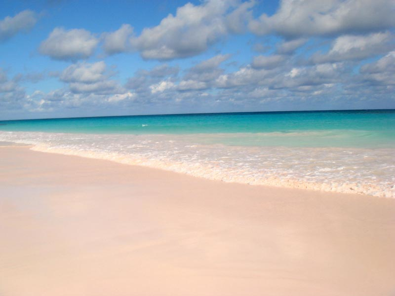 Pink-Sand-harbour-Island-Bahamas