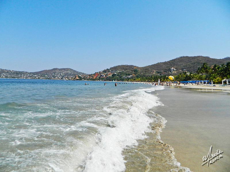 Playa-La-Ropa-Zihuatanejo