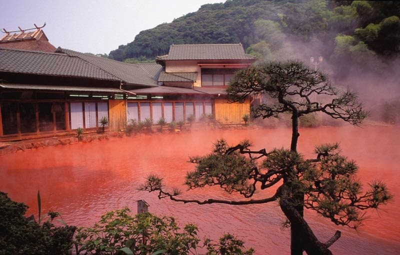 blood-pond-hell-giappone