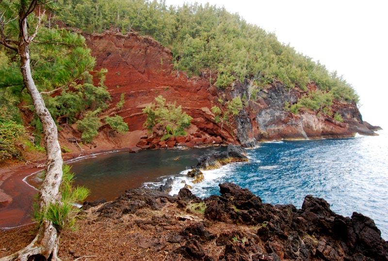 Kaihalulu-Beach-Maui-(2)